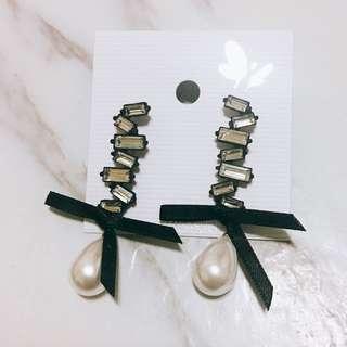 🚚 韓 氣質款 水鑽 珍珠 緞帶 耳環 預購