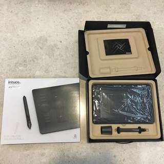 Intuos 5 Professional Pen Tablet (Small)