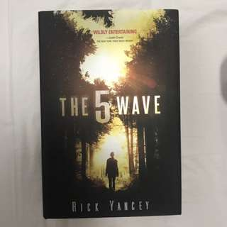 The Fifth Wave Hardback BN