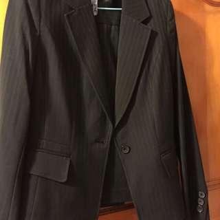 全新黑色條紋套裝