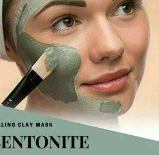 Bentonite clay mask