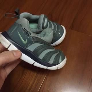 Nike毛毛蟲12公分