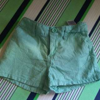 Old Navy Green Short (7-8)