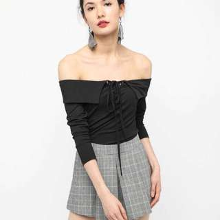 Laced Up Ribbed Sleeved Top