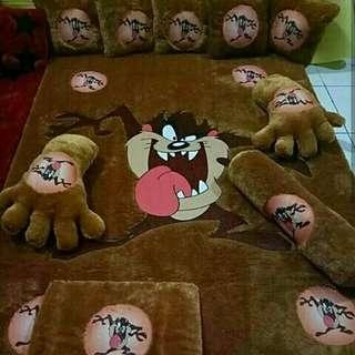 karpet set karakter