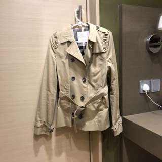 執屋sale: Burberry jacket children size 164 cm 14 years