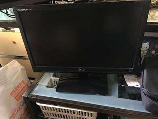 LG 19寸電腦mon
