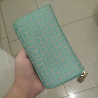 AUTHENTIC Tommy Hilfiger Wallet - preloved