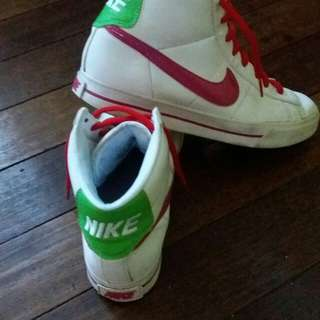 Nike (orig)