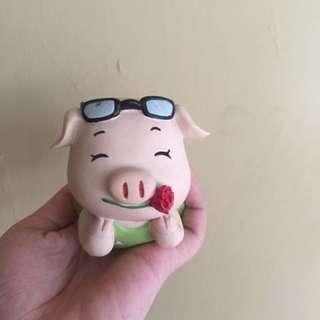 pajangan babi