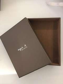 Agnes b box