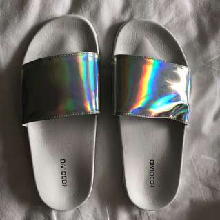Divided/ H&M holographic slides