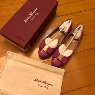 Salvatore Ferragamo varina flat shoes