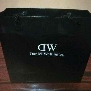 Brand new Daniel Wellington with warranty
