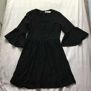 TEM Bell-Sleeved Babydoll Dress
