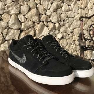 Air Jordan Low black suede