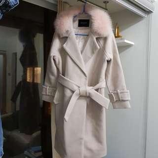 韓國新款高質靚绒料狐狸毛領 夾棉外套,全新