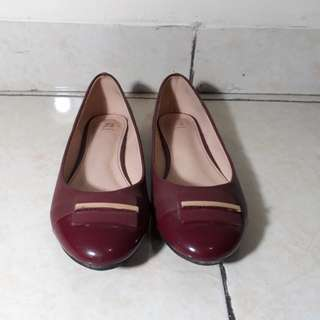 Red flatshoes