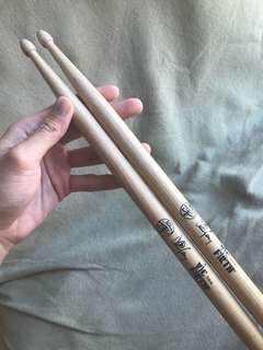 Vic Firth 8B Drum Sticks
