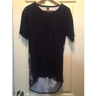 Men's Long Black Paisley Print Carre T-shirt - Size S