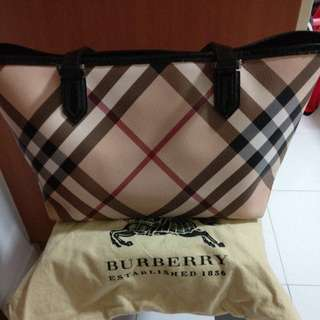 Prelove authentic Burberry Supernova tote bag ( come with dust bag)