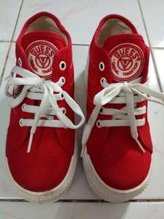 Sepatu GUESS