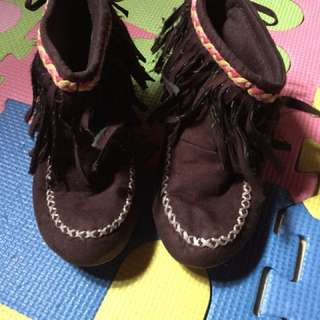 Baby boots brown 2-3 yrs old