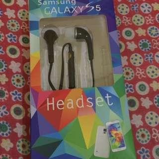 Samsung Galaxy S5 earphone