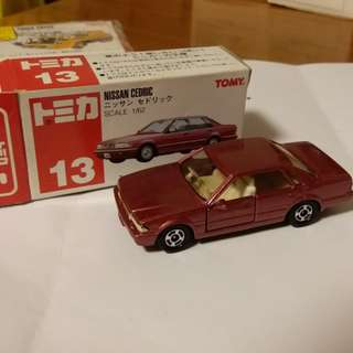 TomicavTomy Tomy車 no 13號 1:62 Nissan Cedric 日產 中古