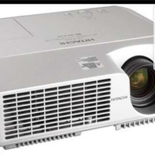 Hitachi cpx 267 projector for sale very good condition