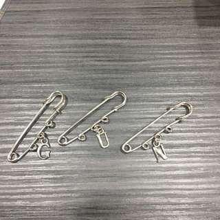 🚚 字母別針