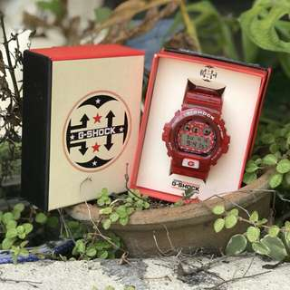 G-SHOCK DW6900 SUPREME LV RED LIMITED EDITION