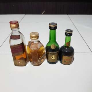 Hard liquor miniature(B)