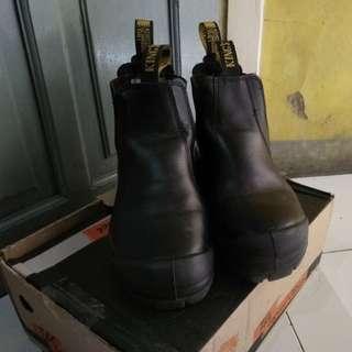 Sepatu saffety king's