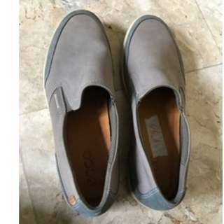 Pre-loved ECCO grey men's shoes