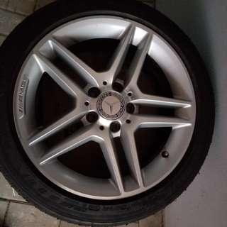 Benz原裝軨 17吋 只有兩隻 只有軨不包呔
