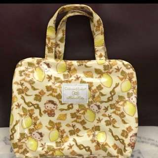 Hello kitty Crabtree & Evelyn Toiletries Bag