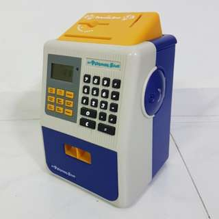 Kids savings box with ATM function