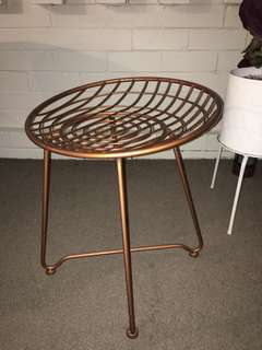 COPPER/ROSE GOLD WIRE LOW STOOL
