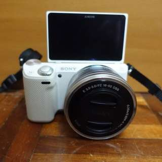 Sony nex 5t white colour for vlogging/selfie