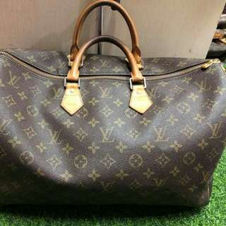 USED AUTHENTIC LV 40