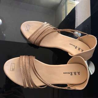 Sandal wedges heels 5cm Gold