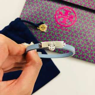 💙 Tory Burch skinny turnlock leather bracelet