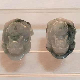 CLEARANCE SALES {Collectibles Item - Jade / Jadeite} Beautiful 100% Authentic Grade A 天然翡翠Natural Jadeite White, Dark Green And Dark Grayish Green One Pair Of 3D Carved Dragon Tortoise 龍龟