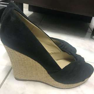 NOVO SIZE 8 WEDGES