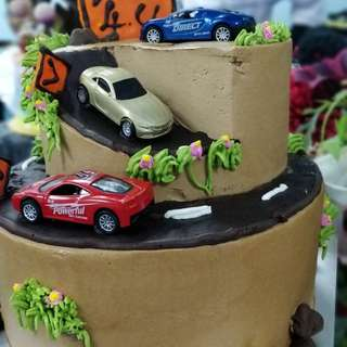 Toys cake for sale