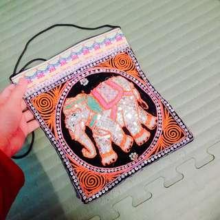 🚚 泰國大象手縫刺繡亮片單肩側背包包