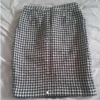 Houndstooth Woven Wool Skirt