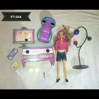 Barbie w/ Furniture Set