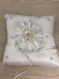 Wedding ring pillow solemnisation